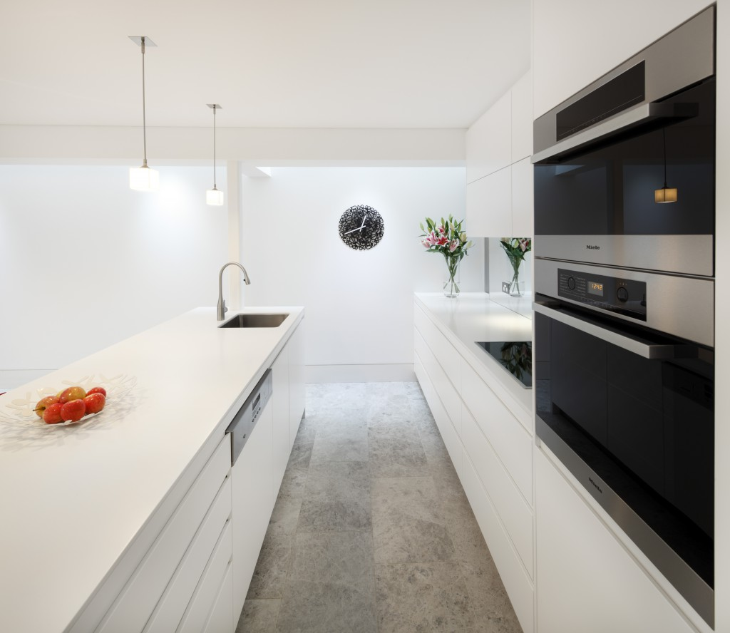 No Handle Kitchens Create A Sleek And Streamlined Look